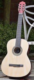 Chord - CC44 Classical Guitar 4/4- 175.550UK